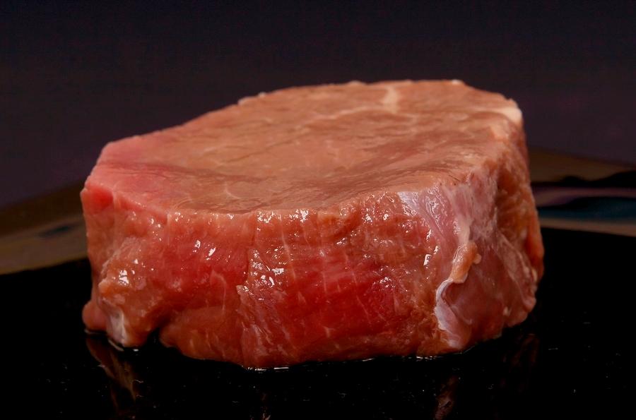 Czerwone mięso to dobre źródło. Wybieraj tylko dobre źródła - najlepiej ekologiczne.