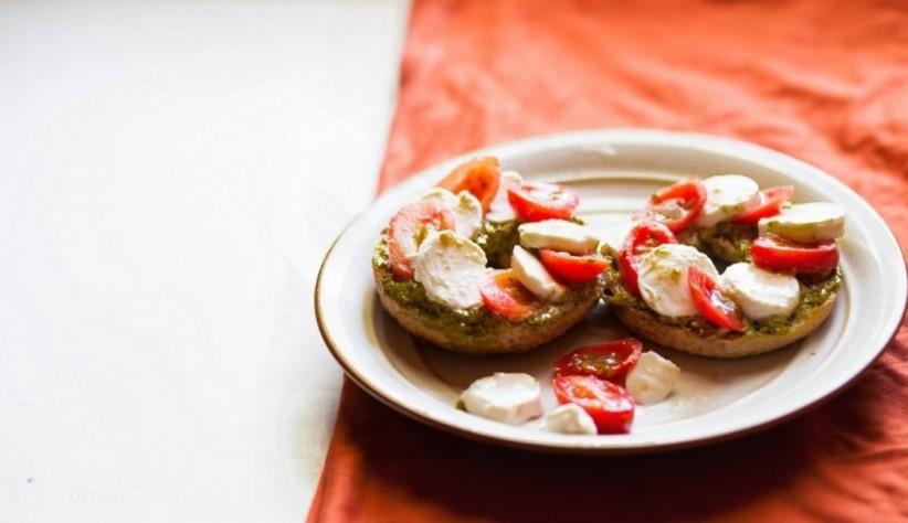 http://foter.com/photo/bagel-dinner/