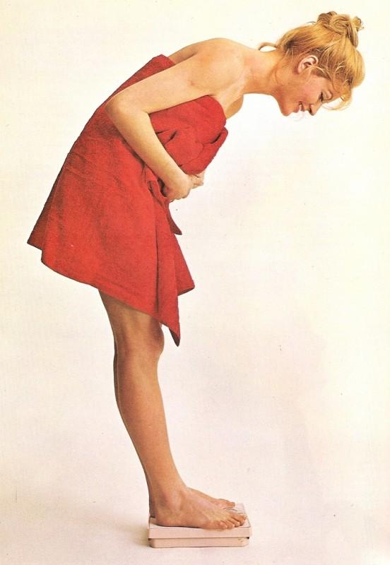 Title: Discover a Lovelier You (Woman Alive, 1972) Original image URL: https://www.flickr.com/photos/modashell/3672307413/
