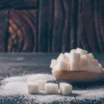 Łyżka z kostkami cukru