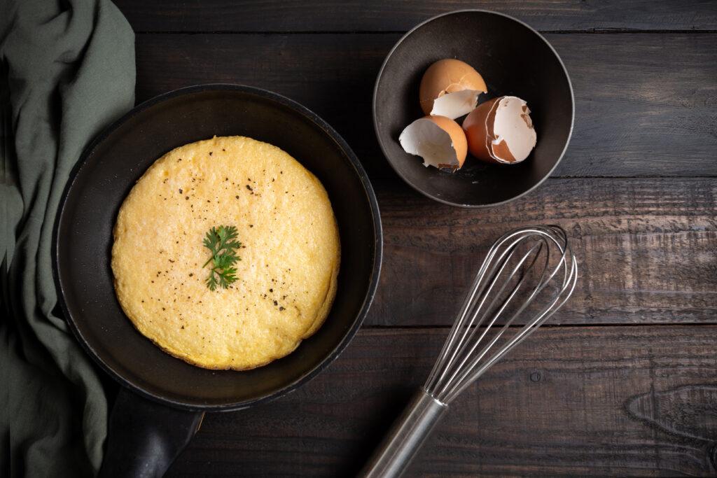 Przepisy na szybkie śniadania, owsianka, omlet